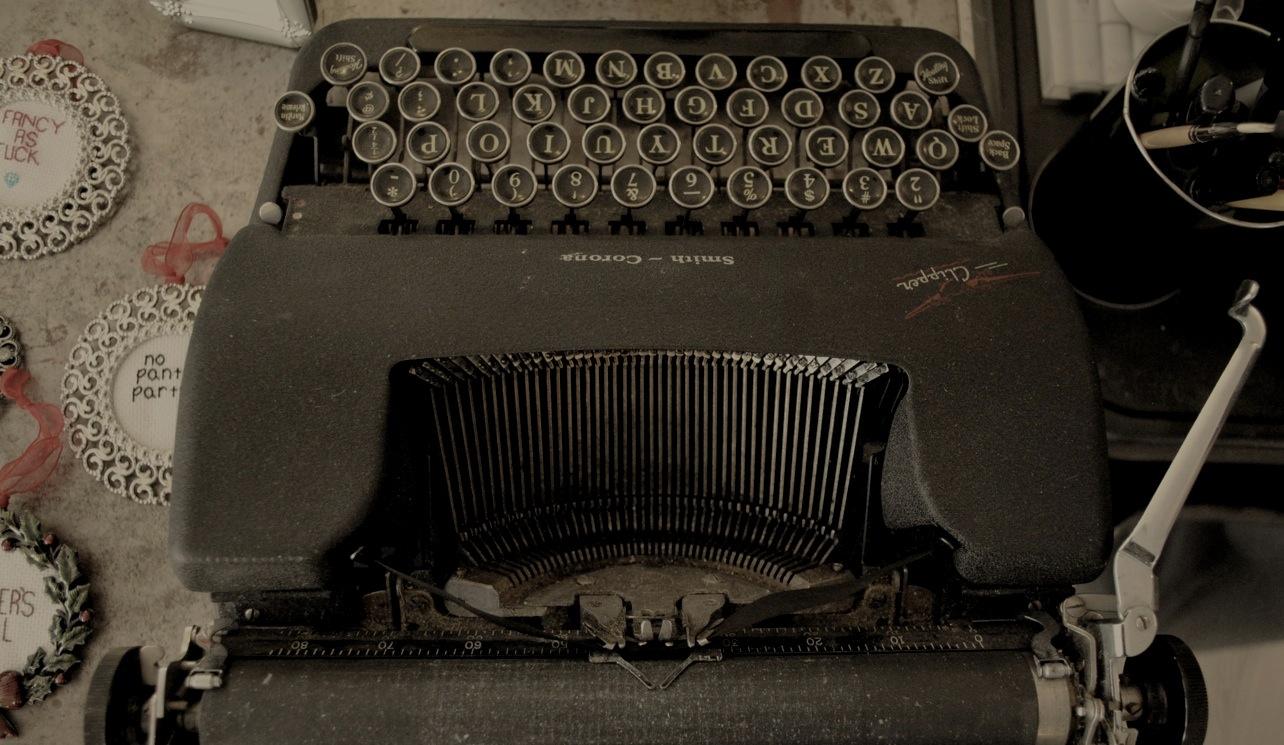 photo.typewriter.1250px